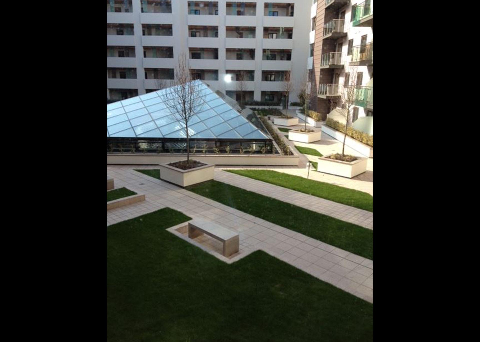 B216-courtyard-sm
