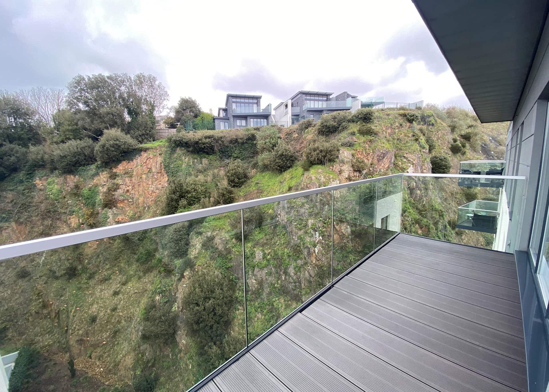 B904-balcony-02-Westmount