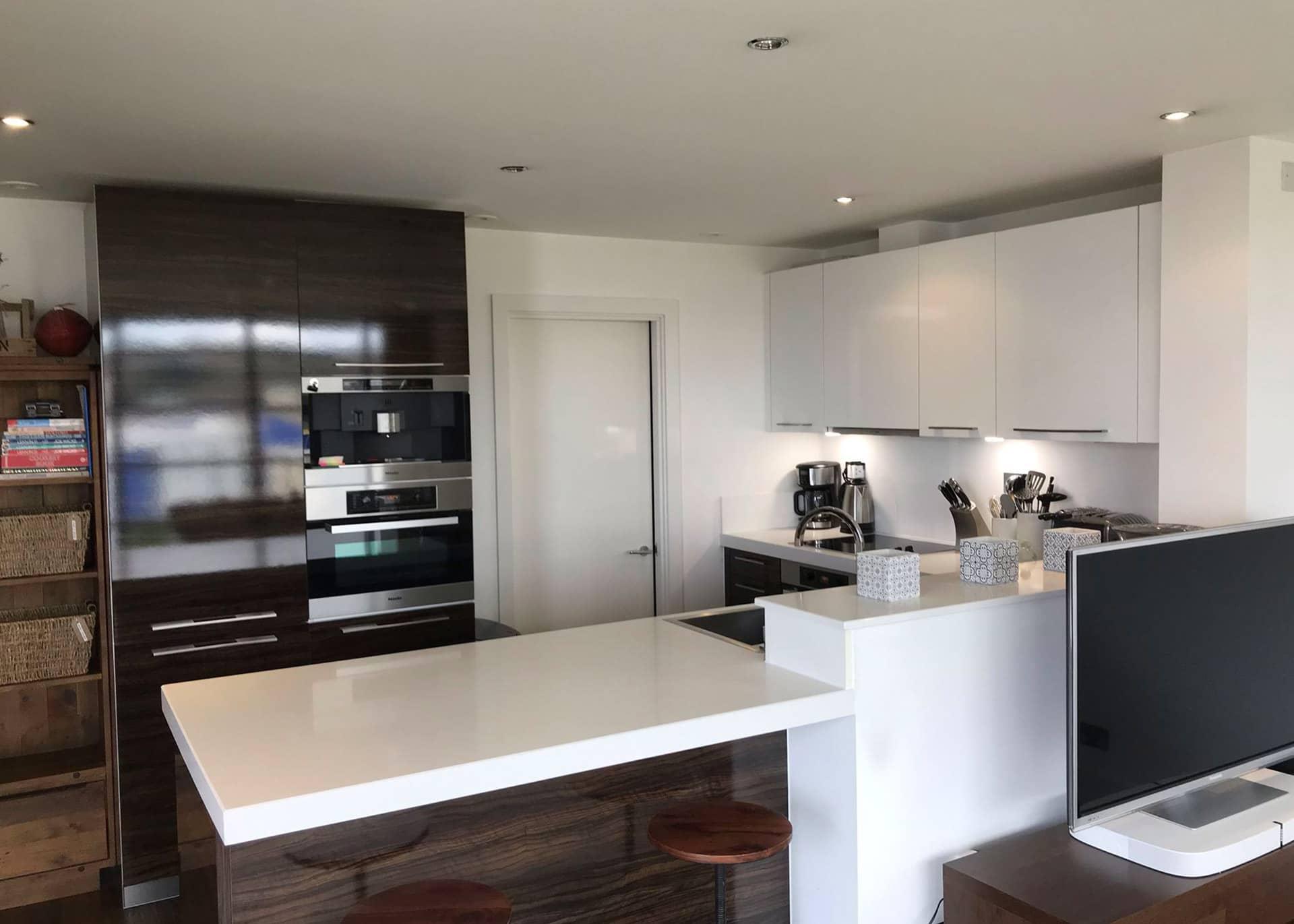 B517 Millais House Castle Quay kitchen