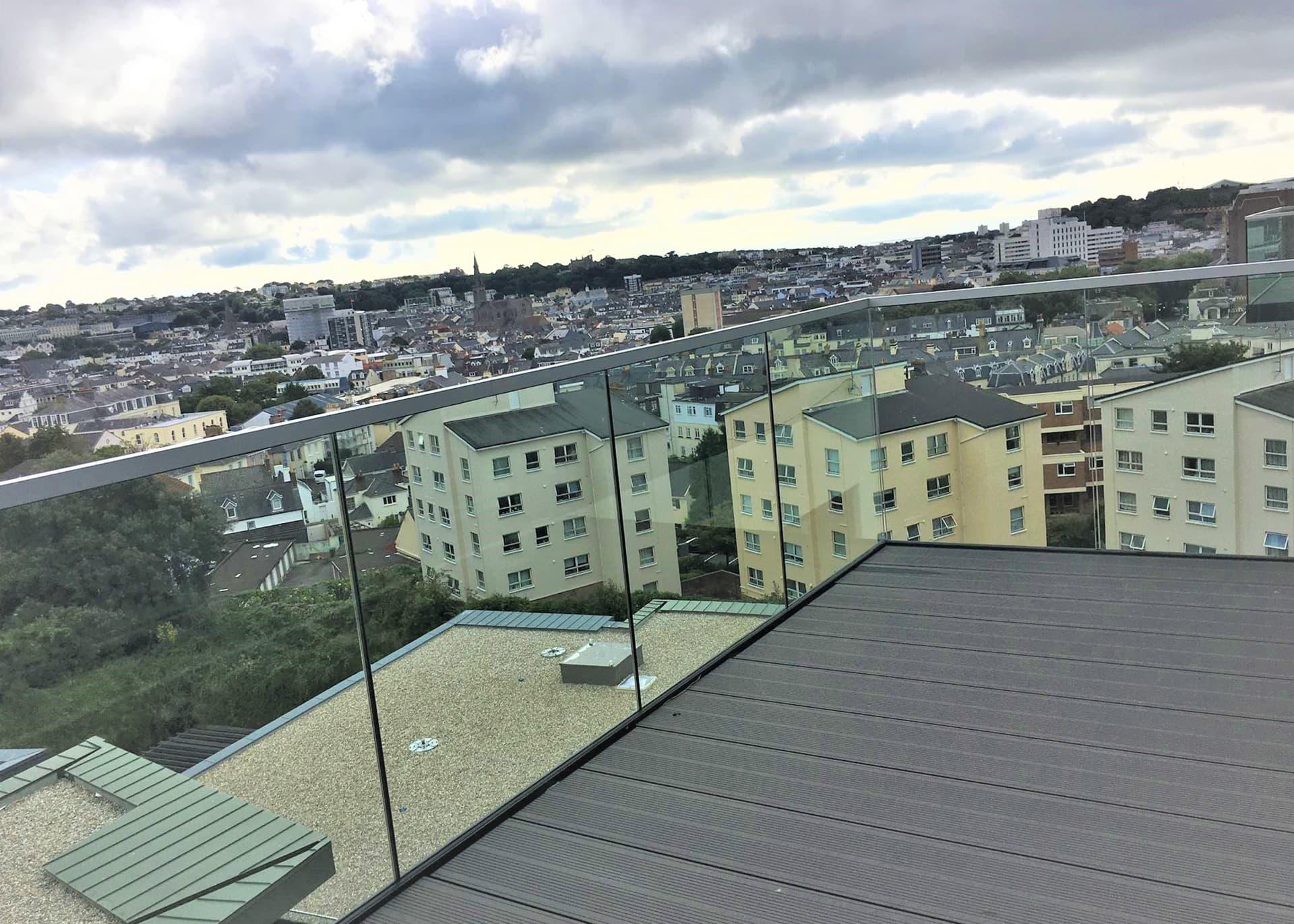 C901 apartment Westmount balcony